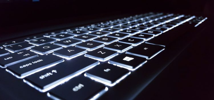Gaming Laptop mit beleuchteter Tastatur